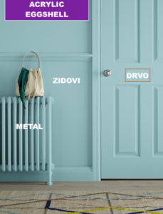 boja za drvo prikazana na drvenim vratima