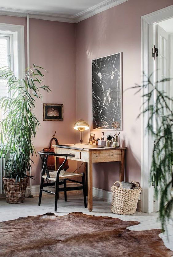 boje za zidove uz braon nameštaj - braon i roza